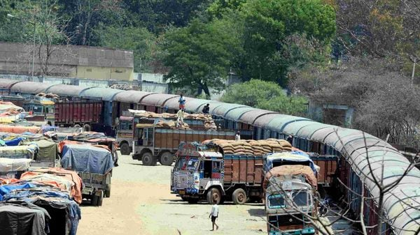 The All India Motor Transport Congress (AIMTC) represents about 95 lakh truckers and other entities.