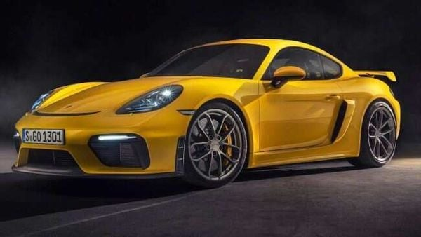 The 718 Cayman Coupe and the 718 Boxster Roadster in GTS 4.0 can now be ordered with the seven-speed PDK robot.