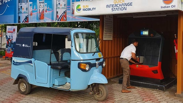SUN Mobility battery swapping at an IOCL pump in Chandigarh.