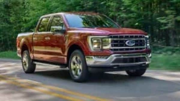 The 2021 F-150 is available with all-new 3.5-litre PowerBoost hybrid powertrain with Pro Power Onboard – an integrated power generator. Besides, the engine options remain largely the same. They include a big V8 engine, a 6-cylinder diesel and 6-cylinder gasoline engines.