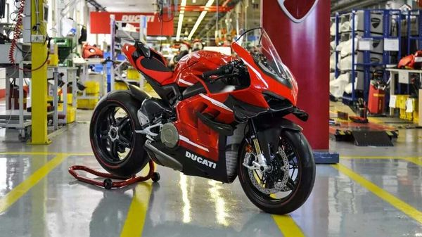 Ducati Superleggera V4 is only limited to 500 units worldwide.