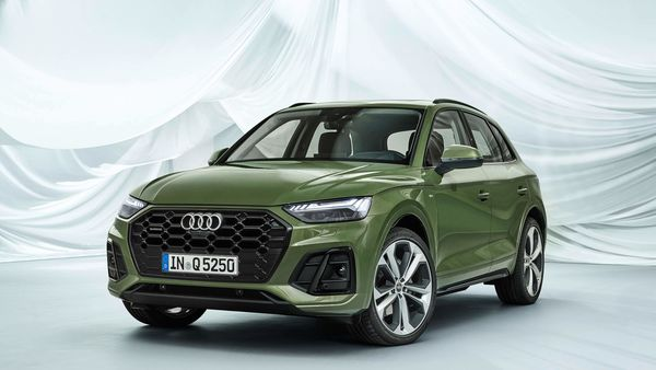 Audi has revealed the updated Q5 which promises to combine aesthetics, comfort and performance with a technology-driven package. The updated car is scheduled to launch later in 2020.