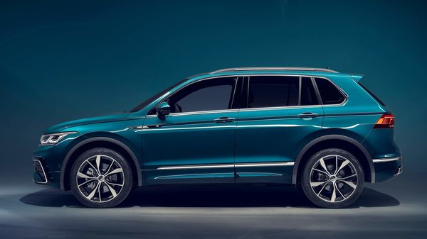 The new wheel designs for each trim line completes the exterior changes for the Volkswagen Tiguan facelift.