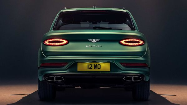 The facelift Bentayga gets a total redesign of the rear surfaces including a new full-width tailgate with new encapsulated lamps, while the licence plate has been moved down into the bumper for a cleaner appearance.