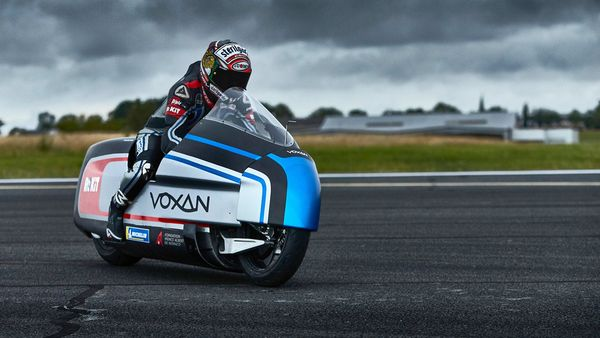 The performance version of Voxan Wattman seeks to break the record for max speed by an electric bike. (Photo courtesy: Venturi)