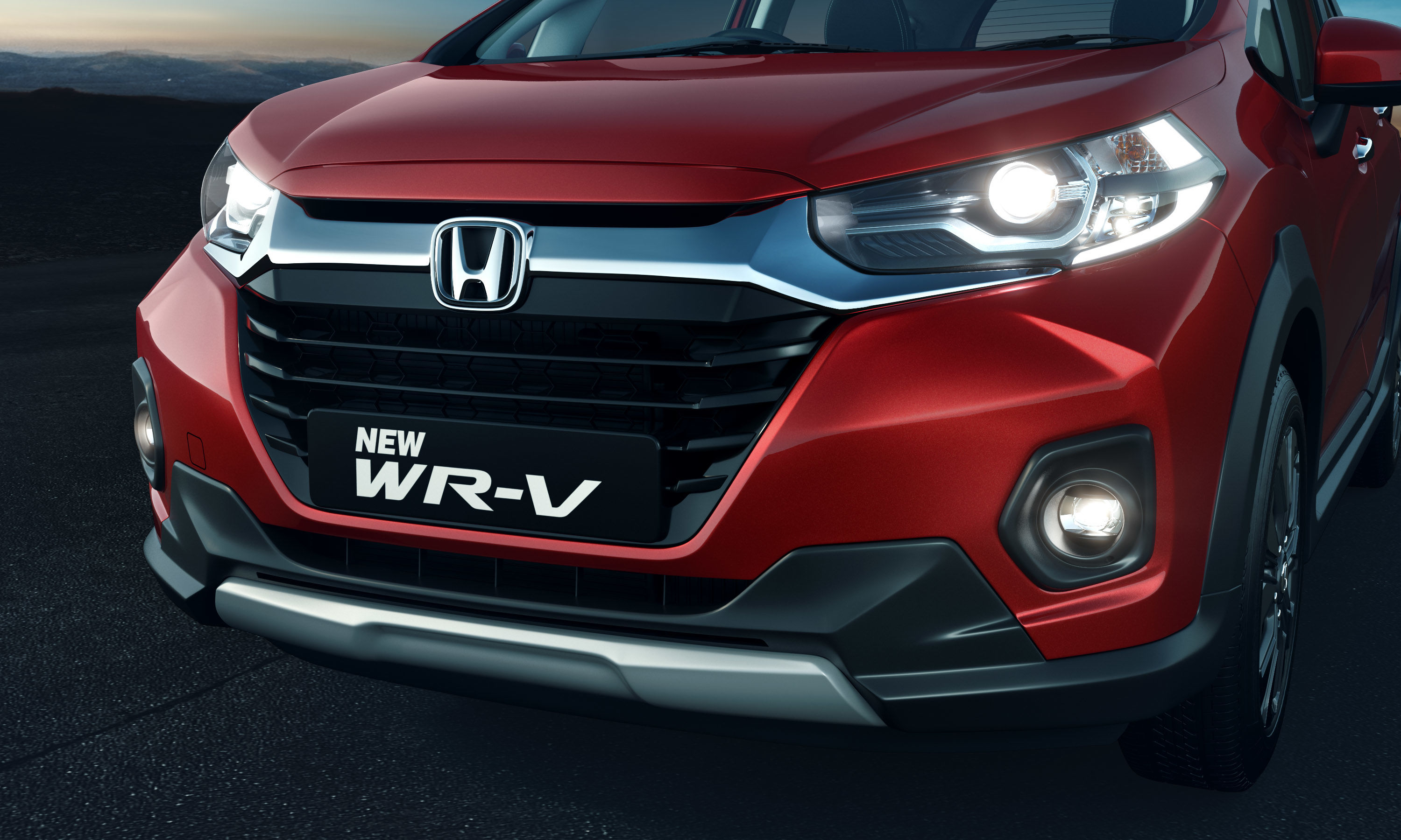 WR-V claims to offer mileage of 23.7 km/l in the 1.5-litre i-DTEC engine option which has max power of 100ps@3600 rpm. In the 1.2L i-VTEC petrol engine, mileage is claimed to be at 16.5 km/l and there's max power of 90PS@6000 rpm. Max torque figures are 200 Nm and  110 Nm, respectively.