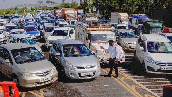 Owners of 1,14,221 vehicles across Noida and Greater Noida received challans, while another 2,384 vehicles were impounded for the Covid-19 violations in Noida. (File photo for representational purpose) (PTI)