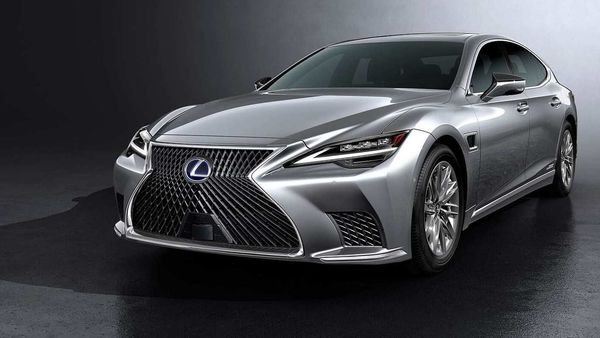 Lexus has taken the covers off the new LS luxury sedan. It is likely to be launched in Japan by the end of this year.
