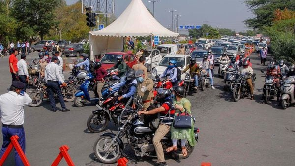 Traffic congestion at Delhi-Noida Direct (DND) flyway that connects south Delhi with Noida seen on June 1. (PTI)