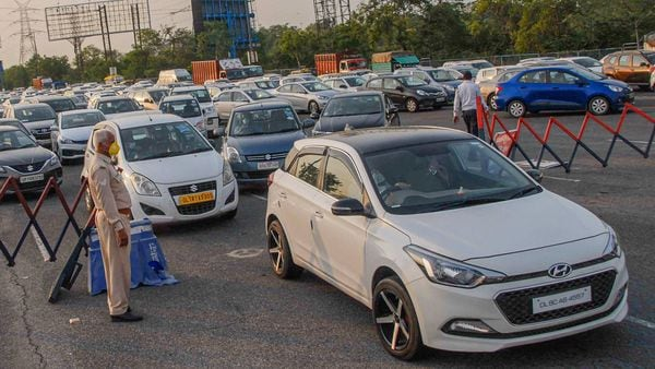 Covid-19: A day before lockdown in Noida, 1760 vehicles penalised