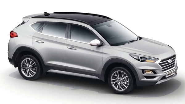 Hyundai has launched Tucson 2020 SUV at a starting price of <span class='webrupee'>₹</span>22.3 lakh (ex showroom, introductory, pan India). It was first showcased at Auto Expo in February.