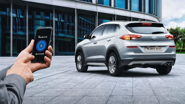 With Hyundai's connected car technology - BlueLink - the SUV gets features like AC control, engine start/stop, vehicle tracking et cetra can also be controlled using a compatible smartphone and/or smartwatch.