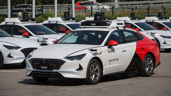 A self-driving Hyundai Sonata, operated by Yandex.NV. (Bloomberg)