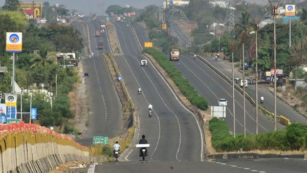 Gadkari said talks are on with a Swedish firm for electric highway stretch on Delhi-Mumbai Expressway. (File photo) (PTI)