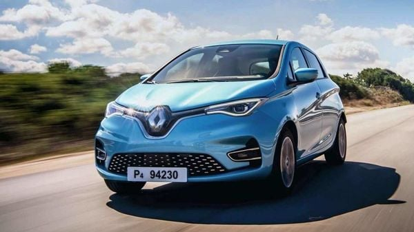 The residents will drive Zoe for three years and share their experiences with Renault to help understand the way customers use electric vehicles.