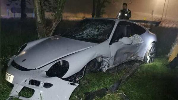This Porsche 911 GT3 had, quite clearly, seen better days. (Photo: Twitter/@SWP_Roads