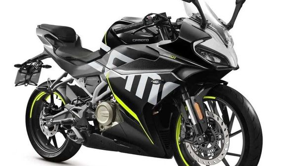 CFMoto 250SR rivals the likes of Suzuki Gixxer SF 250 and the KTM RC 200.