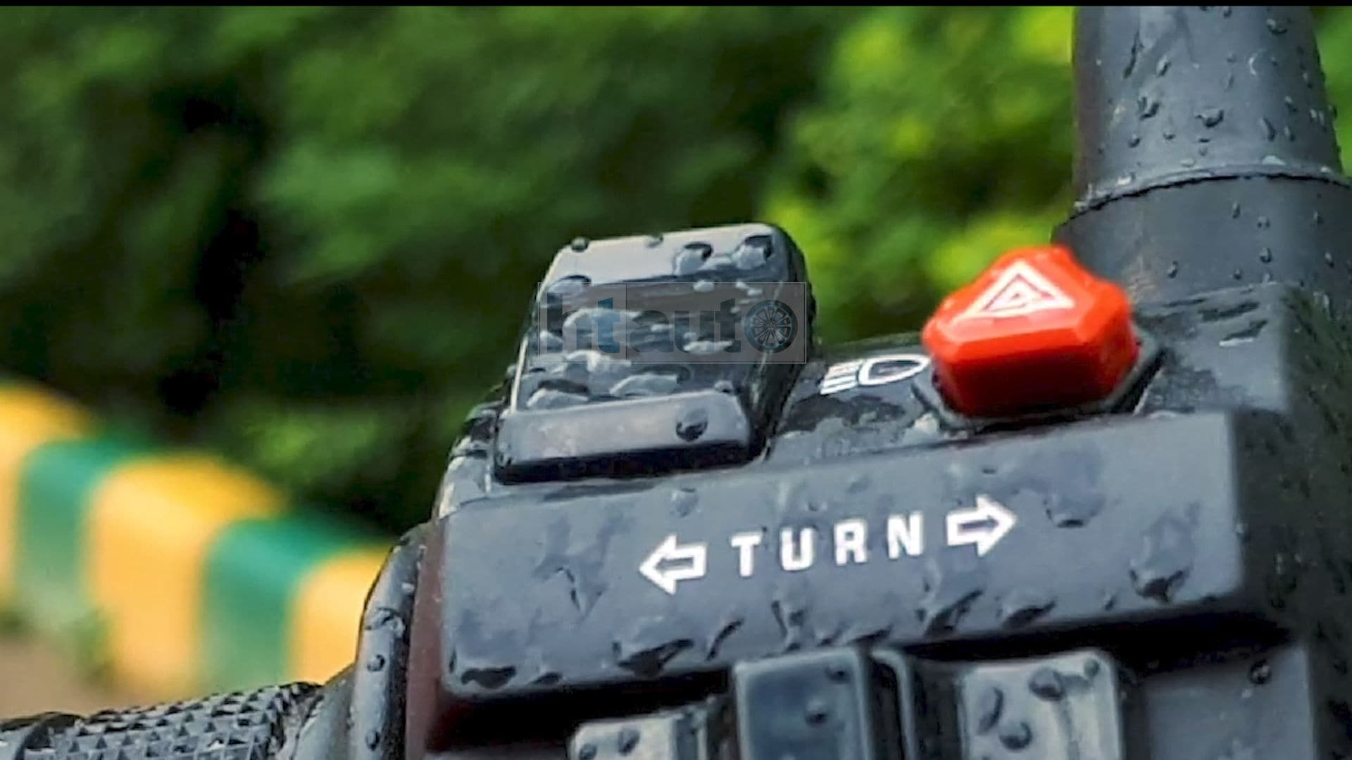 The switchgear quality on the Xtreme 160R is decent, and it also gets a hazard button unlike many of its competitors. Picture Courtesy: Sabyasachi Dasgupta
