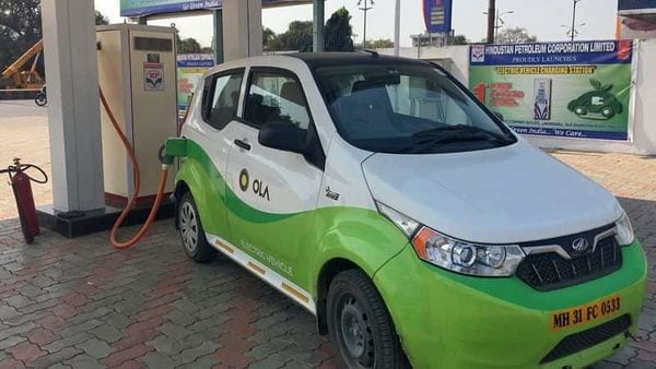 File photo: Mahindra's, e2oPlus, operated by Indian ride-hailing company Ola, is seen at an electric vehicle charging station in Nagpur, India. (REUTERS)