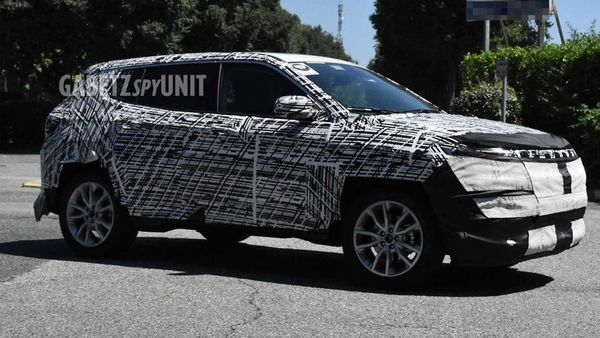 2022 Jeep Compass will be a heavily updated model. Image Credits: Facebook/GabetzSpyUnit