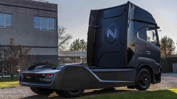 Nikola electric semi truck. (Photo courtesy: Twitter/@nikolamotor)