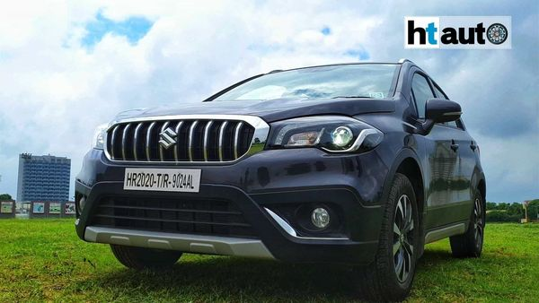The S-Cross gets rugged LED projector head lights, massive chrome-laden grille and 16-inch alloys that lend it some character. (HTAuto/Sabyasachi Dasgupta)
