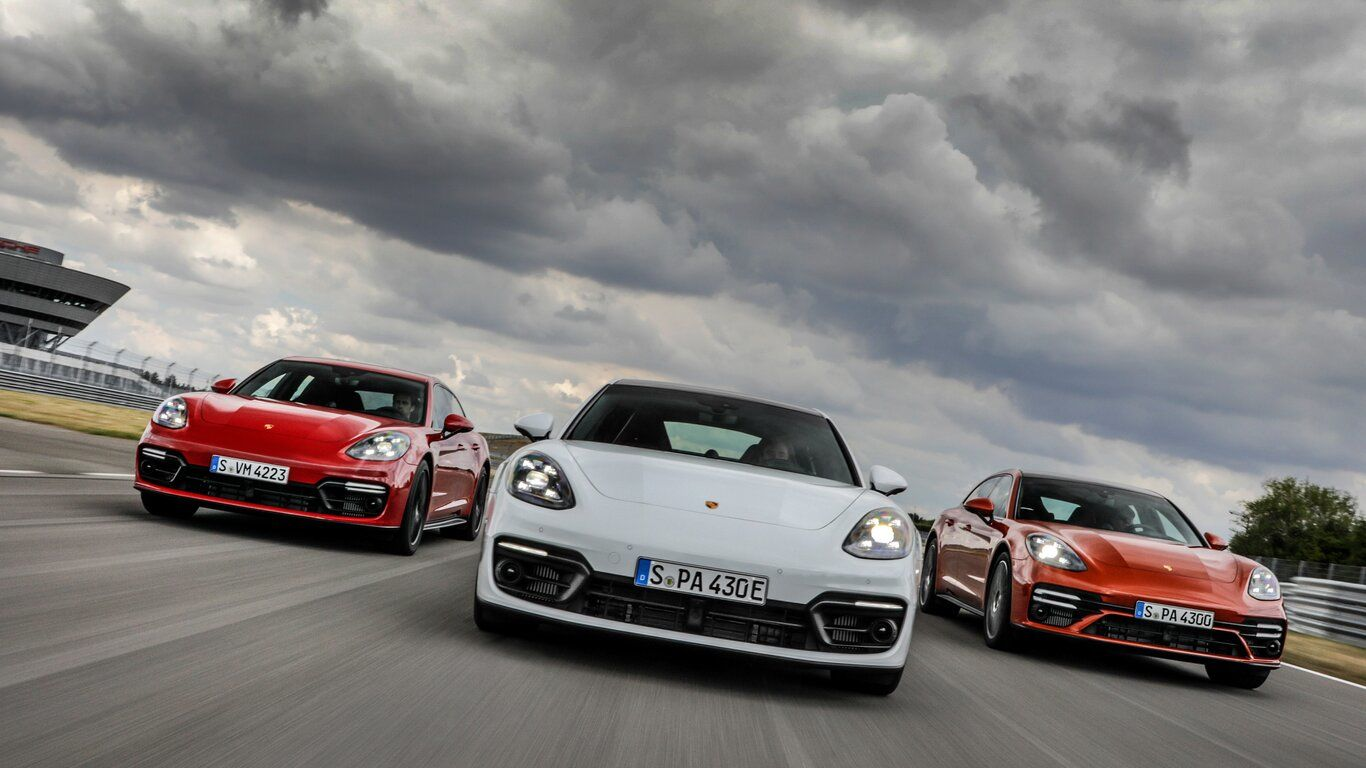 When a car promises to hit 100 kmph in just 3.1 seconds, it does command a whole lot of attention. And that is exactly what the new Porsche Panamera Turbo S. The 2021 Panamera range recently broke cover and while there is a  plug-in hybrid option offered now, the bulk of the attention was taken by the Turbo S.