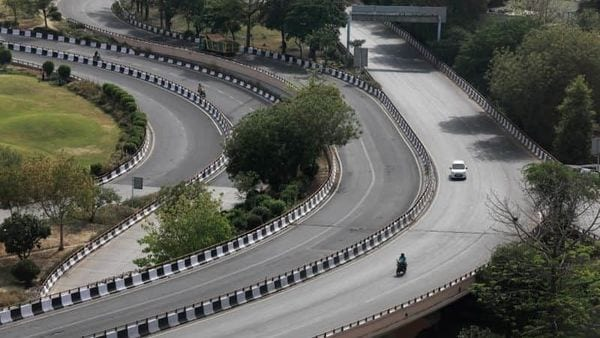 India likely to add more than 9,000 km roads by the end of this fiscal. (File photo) (REUTERS)
