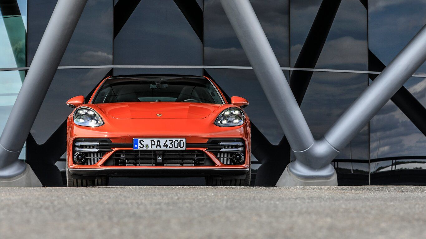 Panamera 2021 will also include a 4S E-Hybridm, GTS, apart from the updated Panamera and Panamera 4.