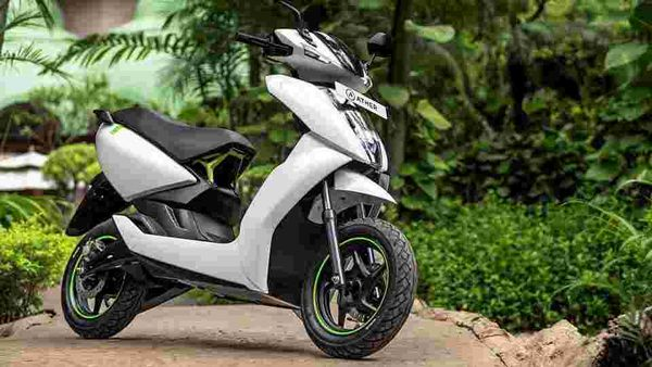 The Ather 450 (and the 340) has been designed as a competitor to a conventional scooter – not an experimental alternative.