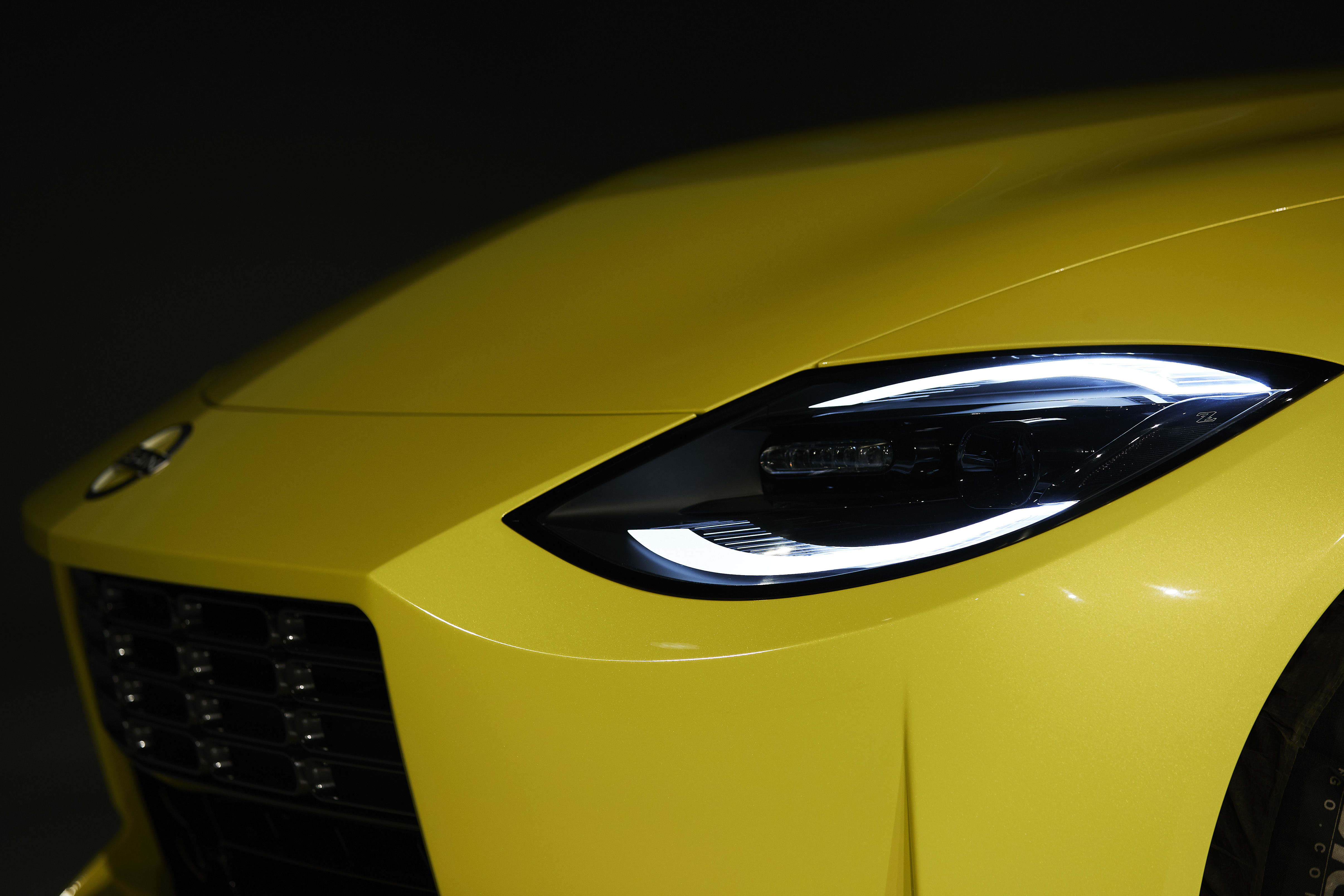 The Z Proto benefits from a straight yet stylish exterior profile with eye-shaped LED headlights, squar-ish grille and an elongated hood.