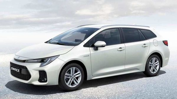 Suzuki Swace is based on the Toyota Corolla Estate.