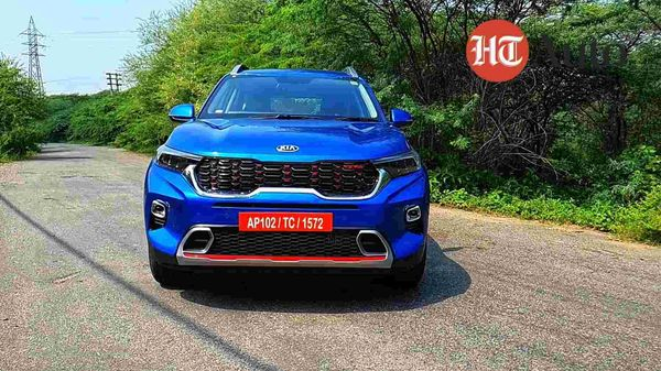 Kia Sonet gets stylish looks and a feature-loaded cabin.