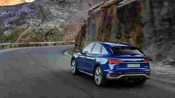 The wide appearance of Audi Q5 is perhaps most clear from the rear profile of the SUV.
