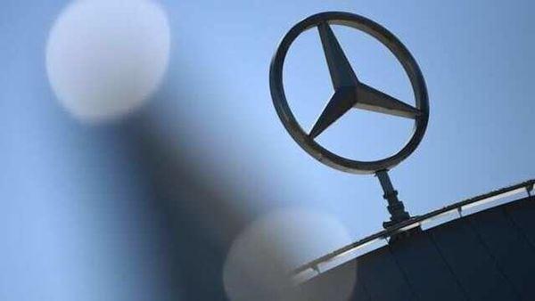 File photo: Logo of Daimler's Mercedes-Benz (REUTERS)