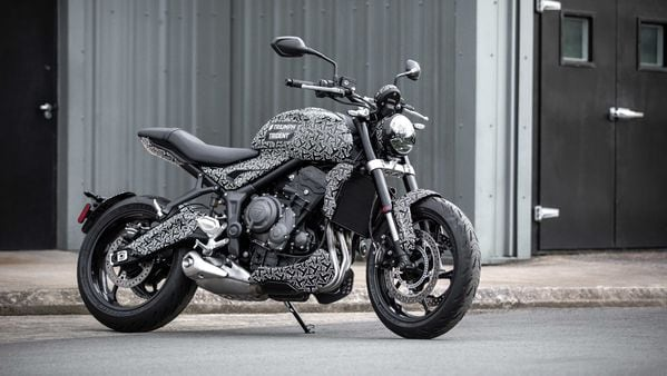 Final test camouflaged image of Triumph Trident 2021.