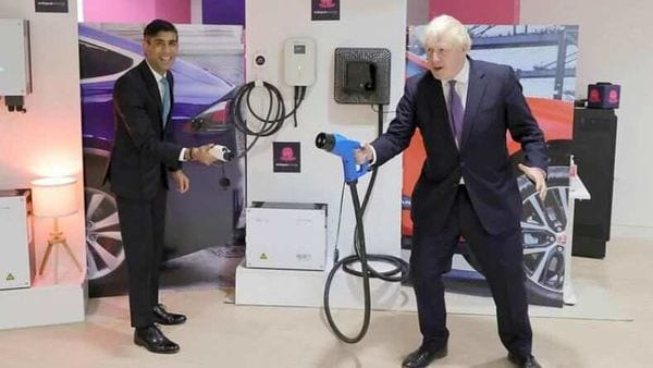 This photo of Rishi Saunak (l) and Boris Johnson was tweeted by @10DowningStreet