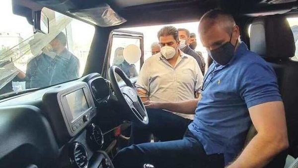 National Conference leader Omar Abdullah checking out the new Mahindra Thar SUV. (Photo courtesy: Twitter/@ShuhulAutomobi1)