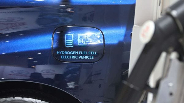 A 2020 Toyota Mirai hydrogen electric fuel cell car is displayed at the Canadian International Auto Show in Toronto, Ontario, Canada February 18, 2020. REUTERS/Chris Helgren (REUTERS)