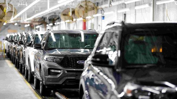 2020 Ford Explorer cars are seen at Ford's Chicago assembly plant. (File photo) (REUTERS)