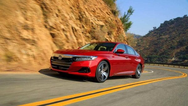 Honda Accord 2021 looks extremely promising thanks to its exterior styling elements.