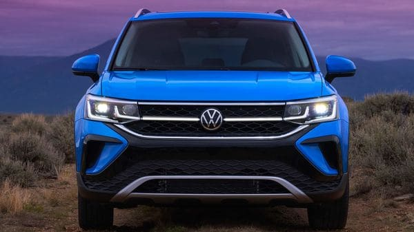 The SUV gets a sculpted hood, LED headlights with Adaptive Front-lighting System (AFS), an illuminated light line stretching outward from the logo and four wheel designs.