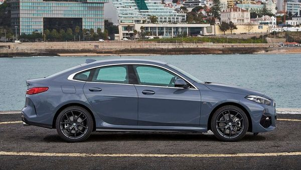 The car gets a slightly low-slung four door design with a sloping roof towards the rear and pillar-less doors which make it look very sporty. It measures 4,526 mm in length and stands wider at 1,800 mm.