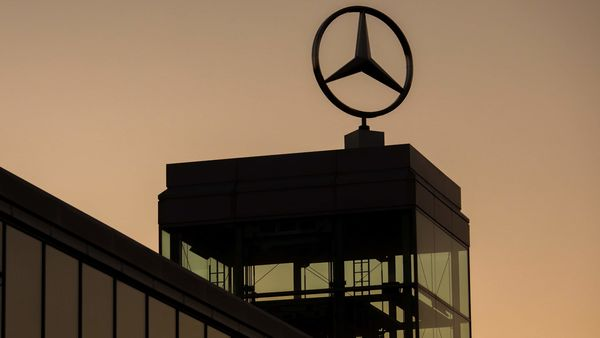 File photo shows logo of Mercedes-Benz (Bloomberg)