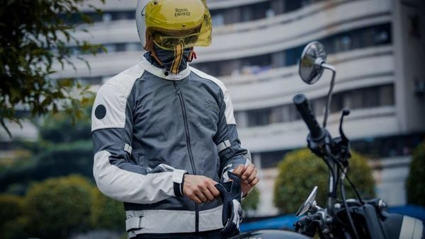 Royal Enfield StreetWind jacket
