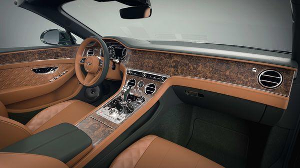 Bentley cabin with veneer finishing