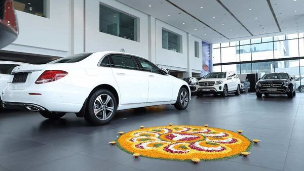 Mercedes-Benz India delivers 550 cars during Navratri, Dussehra period