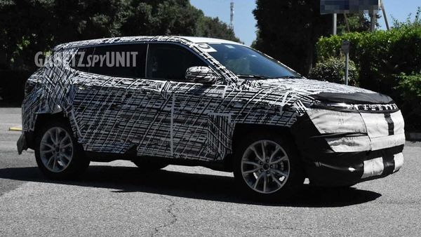2021 Jeep Compass will be a heavily updated model. Image Credits: Facebook/GabetzSpyUnit