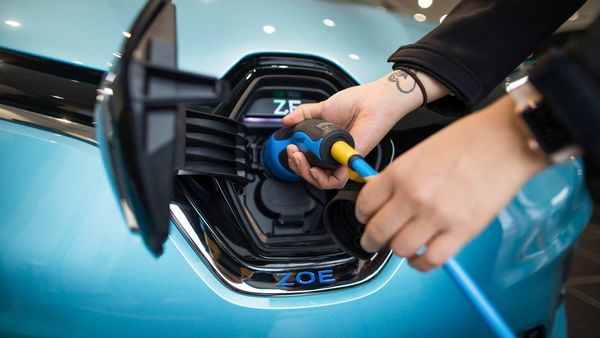 Europe's rollout of vehicle charging points is not keeping up with the strong growth in electric car sales, said European Automobile Manufacturers' Association. (File photo) (Bloomberg)