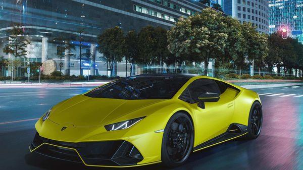 Lamborghini Huracan EVO Fluo Giallo Clarus (yellow exterior)